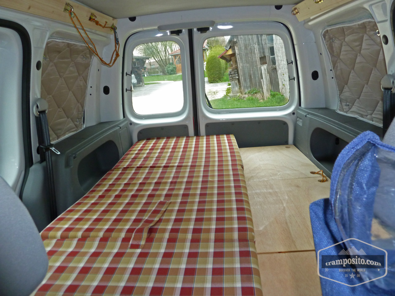 vw caddy camper ausbau. Black Bedroom Furniture Sets. Home Design Ideas