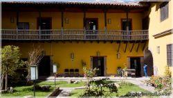 Cuscos-patios-6